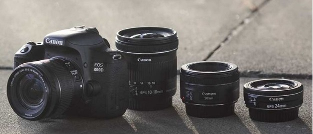 Canon EOS 800D with lenses